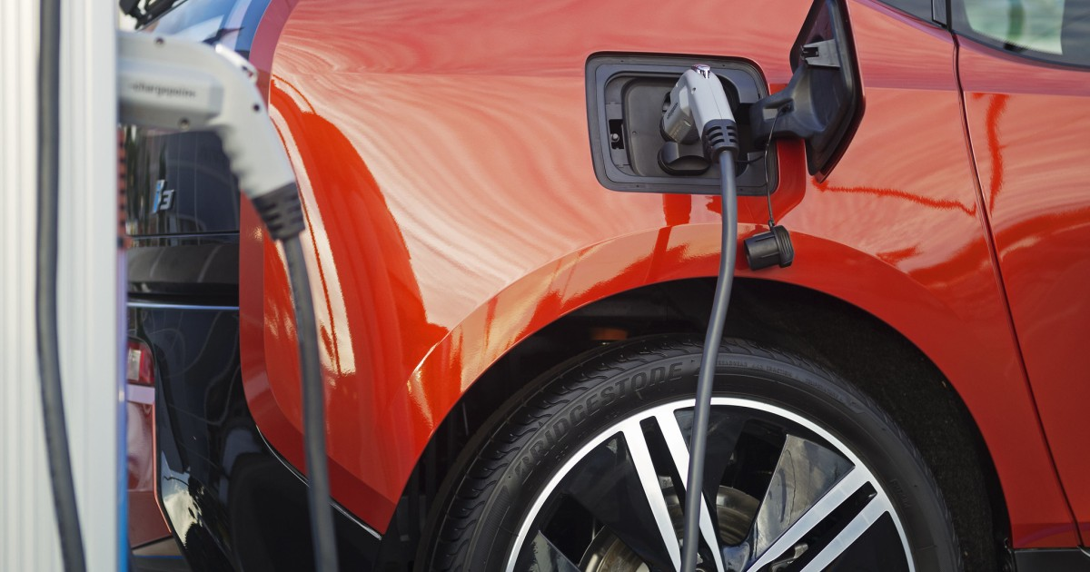 Is California's Low Carbon Fuel Standard Incentivizing Electric Vehicle Deployment?