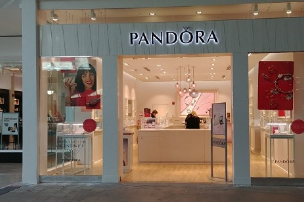 Pandora store in a shopping mall